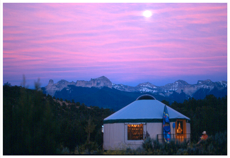 colorado yurt retreats